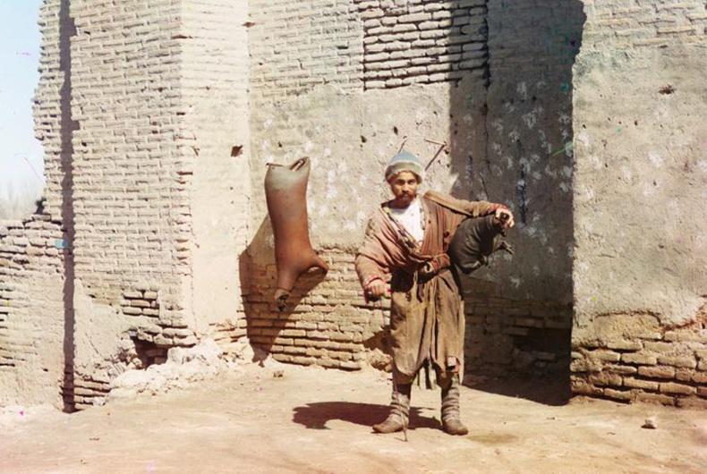 Ус зөөгч, Самарканд хот - 1910