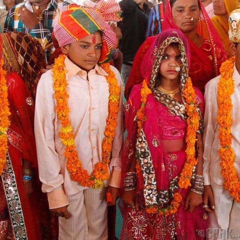 Насанд хүрээгүй хүүхдийн гэрлэлт (Энэтхэг)