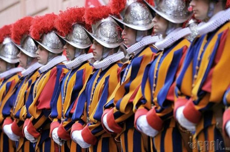 Микеланжело - Швейцарийн гвардын дүрэмт хувцас