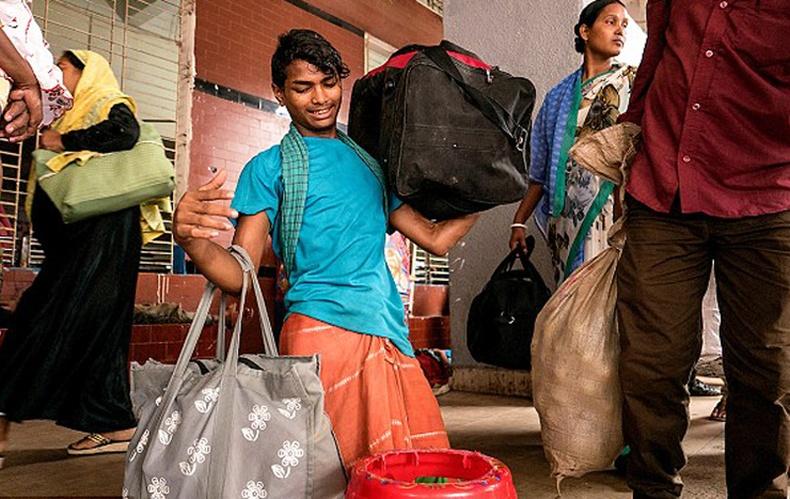 Бангладеш залуугийн түүх цахим ертөнцийг шуугиулж байна
