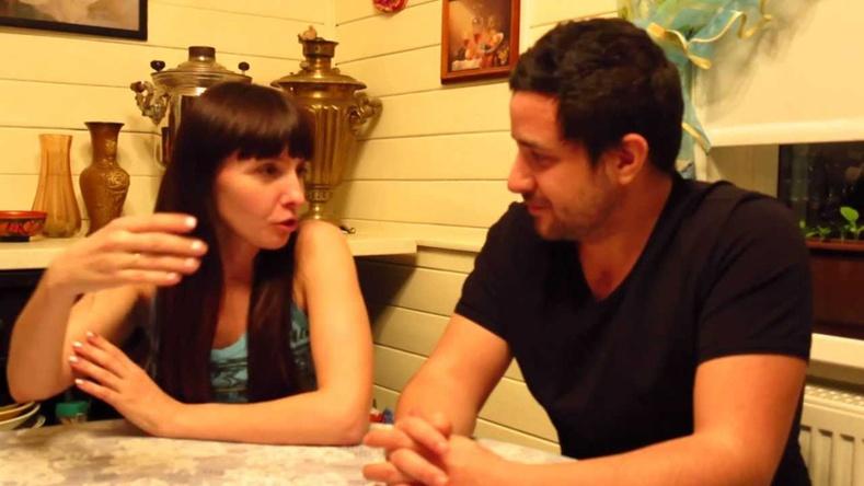11 хэлээр ярьдаг залуу нууцаа дэлгэлээ