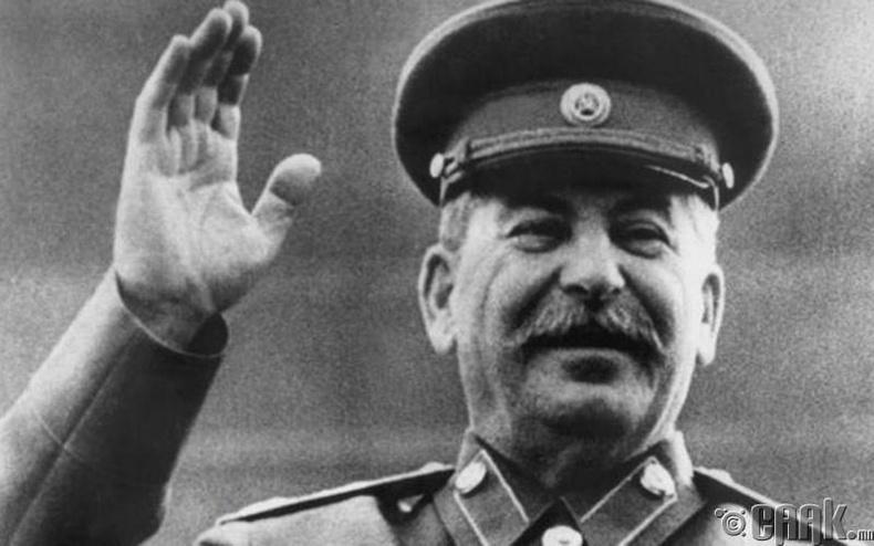 Жосеф Сталин