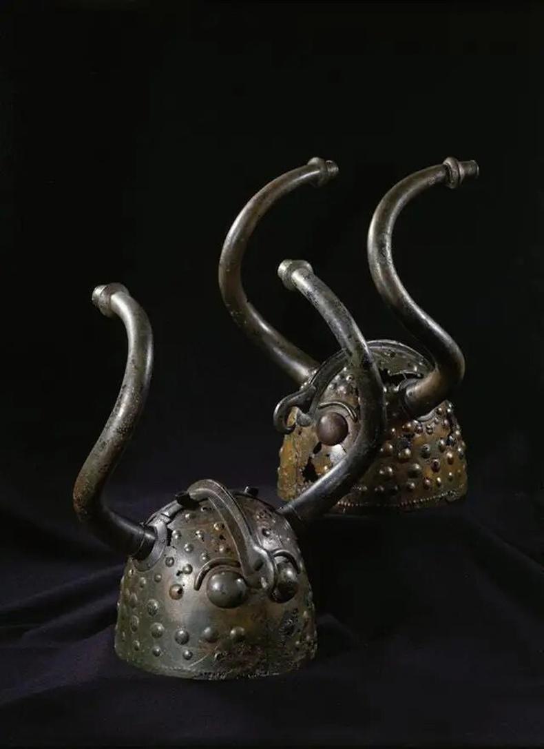 Хүрэл зэвсгийн үеийн дуулга (Скандинав, МЭӨ 1100 - 900 он)