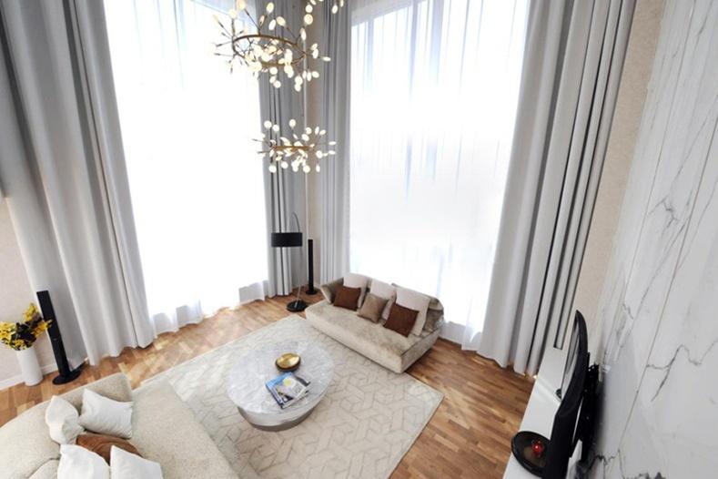 King Tower: шалнаас тааз хүртэл 6м өндөр цонхтой шинэ төлөвлөлт бүхий 194мкв 4 өрөө орон сууцыг танилцуулж байна:
