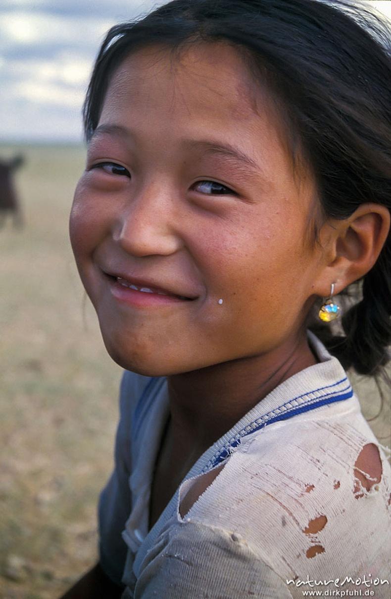 Говийн охины инээмсэглэл