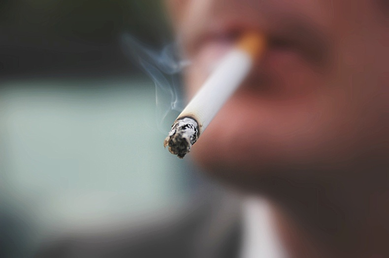 Тамхи татах