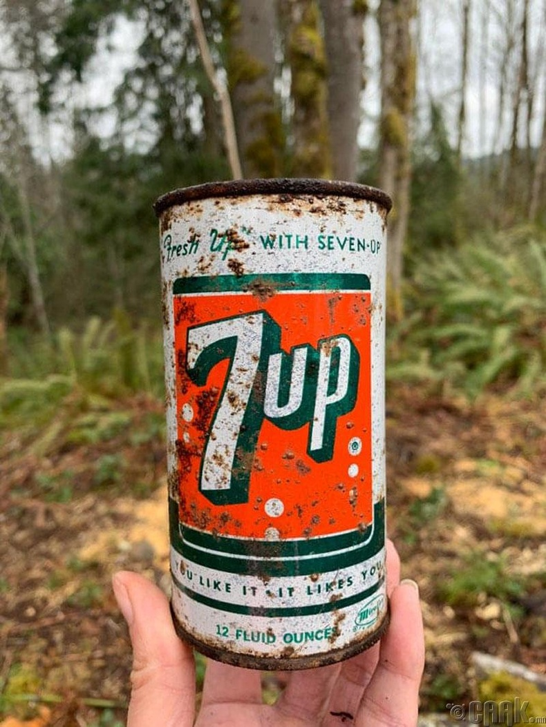 """Хамгийн анхны """"7-UP"""" ундааны лааз"""