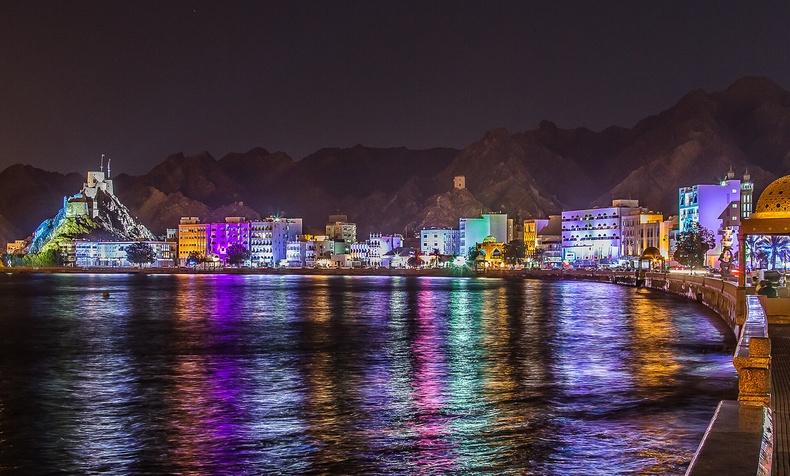 Оман яаж нэг ч ядуу иргэнгүй улс болж чадсан бэ?