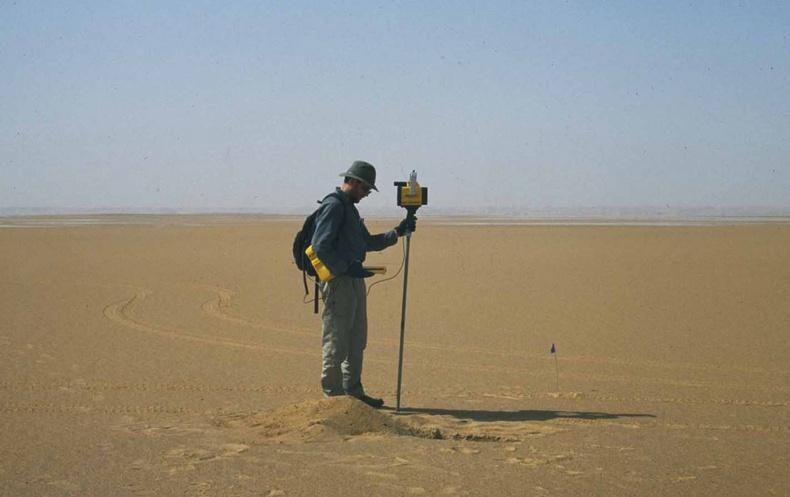 Сахарын цөлийн их элсэн дор юу байгаа вэ?