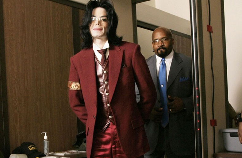 Майкл Жексоны бэлгийн хүчирхийлэл үйлдэж байсан нь илчлэгджээ