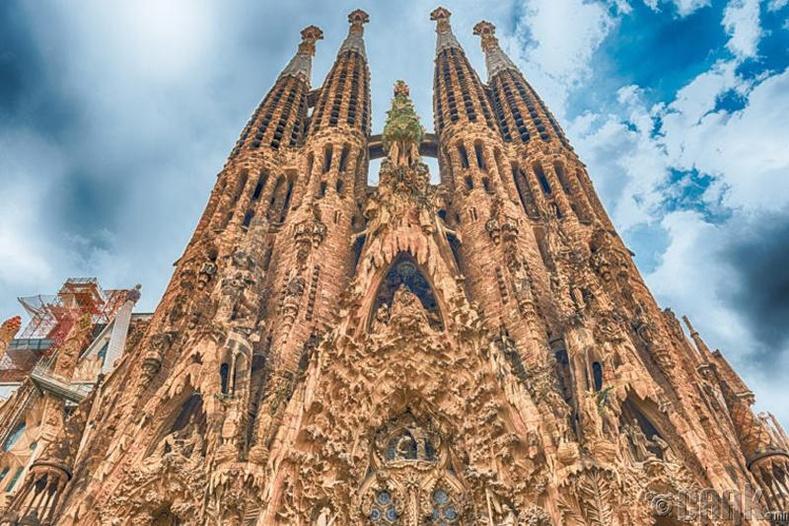 Ариун гэр бүлийн сүм, Барселона