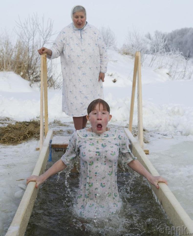 Цэв хүйтэн усанд орох