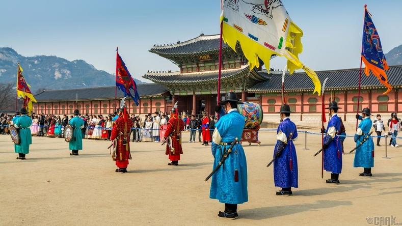 "Өмнөд Солонгос - ""Хангүг"" (한국)"