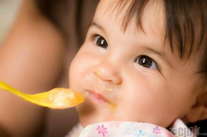 Хүүхдийн хоолонд давс хэрхэн нөлөөлдөг вэ?
