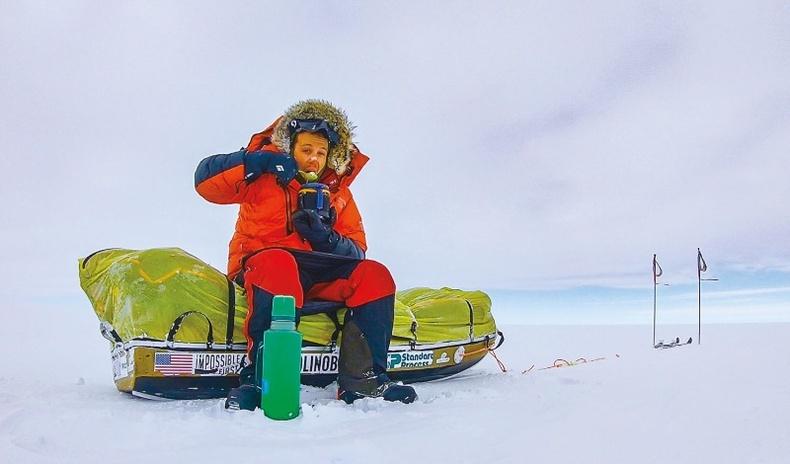 Антарктид тивийг явганаар хөндлөн гулд туулсан анхны хүн