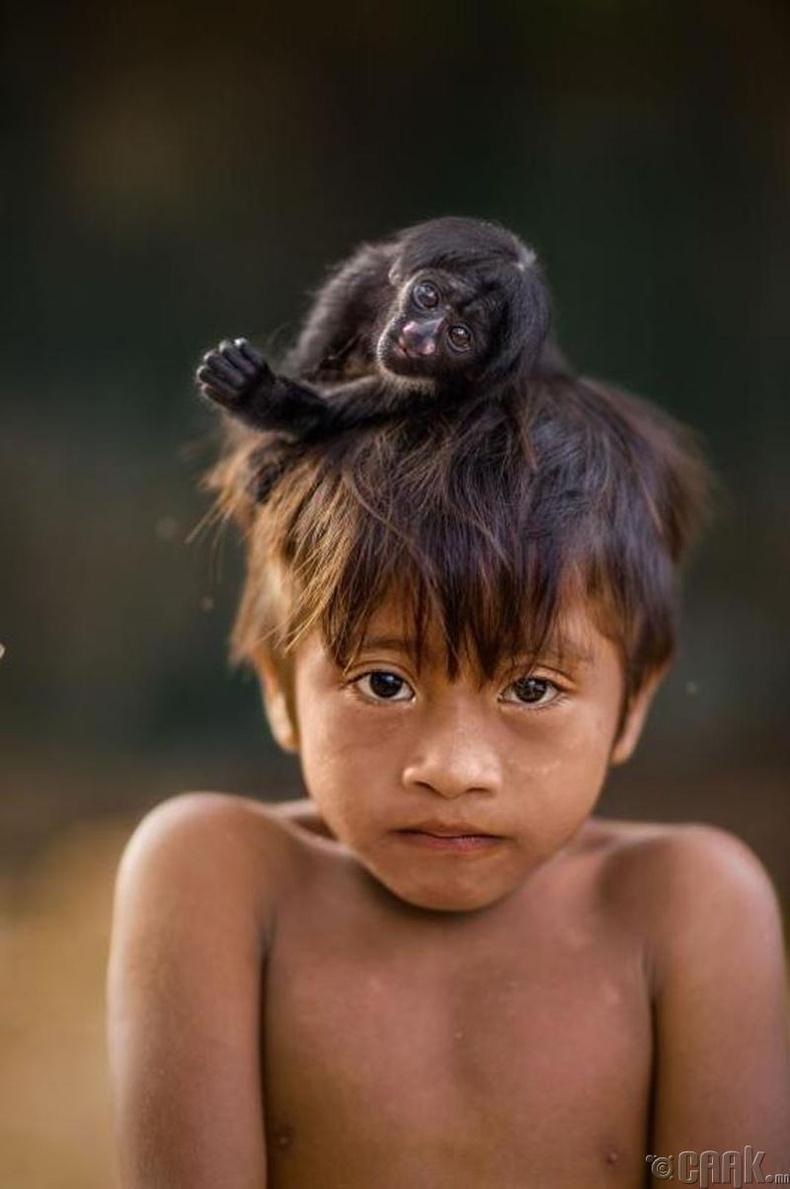 """Бразил-ийн """"Поста Ава"""" тосгоны хүү"""