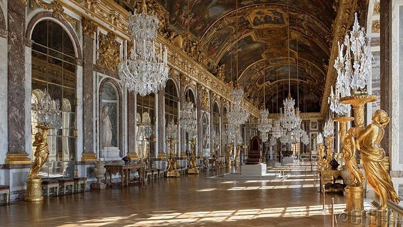 Версалийн шилтгээн, Франц