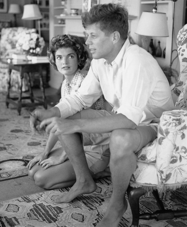 Жон Кеннеди болон түүний сүйт бүсгүй Жаклин, 1953 он.