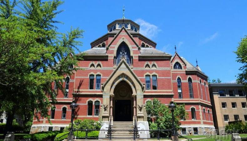 Брауны Их Сургууль (Brown University)