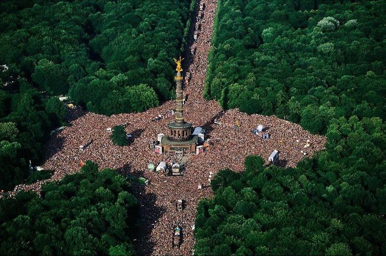 """""""Great Tiergarten"""" талбай дээр жил бүр зохиогддог """"Love Parade"""" фестиваль - Берлин"""