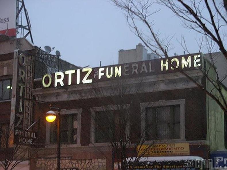 Ortiz Funeral Home - Ortiz Fun Home (Ортиз оршуулгын алба - Ортиз хөгжөөнтэй алба)