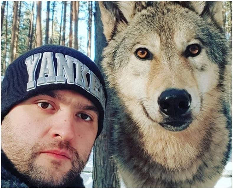 Чонотой нөхөрлөсөн орос залуу