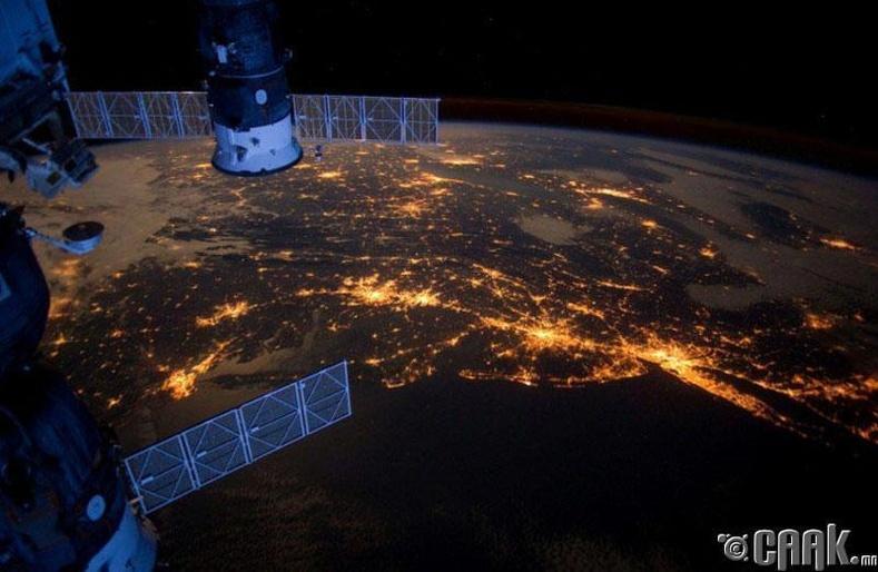 Сансраас дэлхийг харвал...