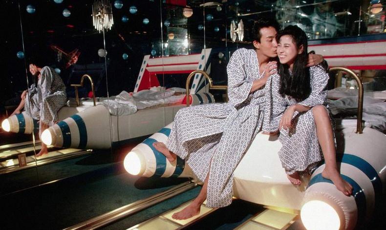 Япон дахь зөвхөн эхнэр, нөхрүүдийн ордог хачирхалтай зочид буудал