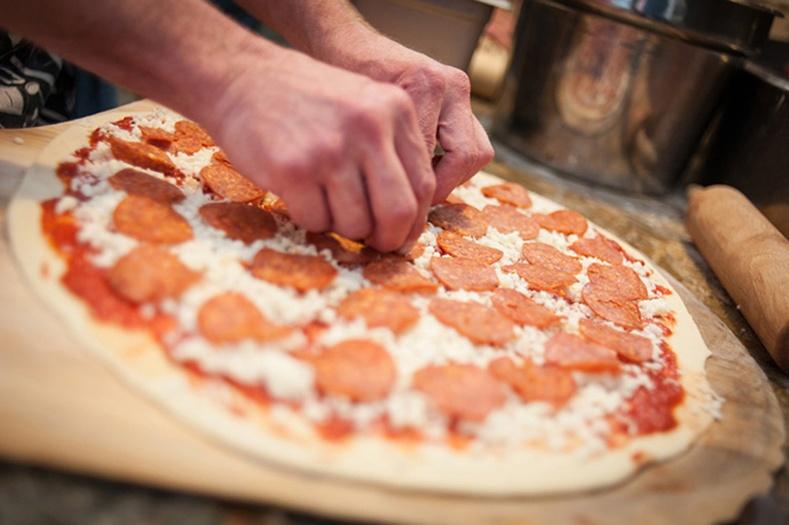 Гэртээ пицца хийх хялбар арга
