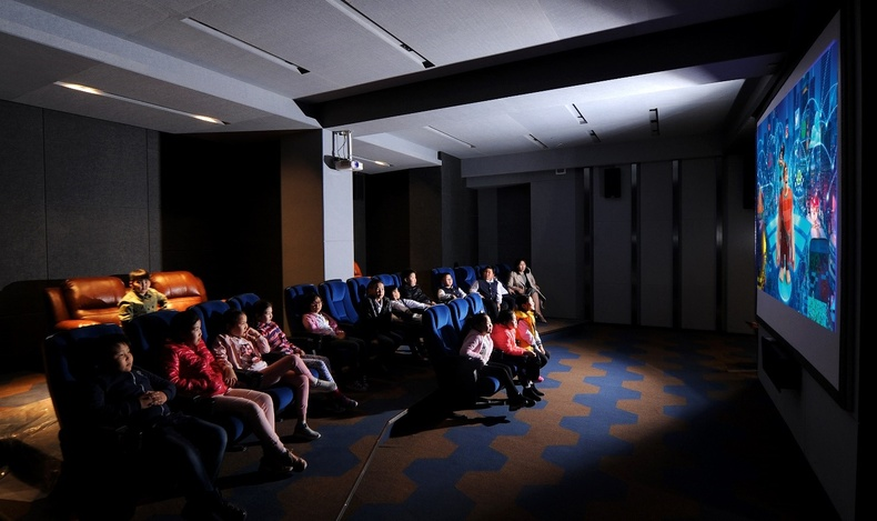 Оршин суугчдад тусгайлан үйлчлэх, dolby atmos технологийн vip кино театр