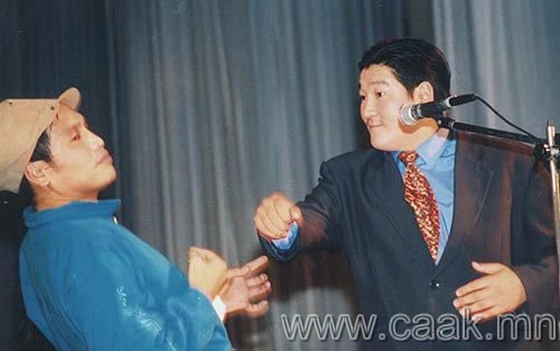 Монголын кино болон жүжгийн урлагын одууд
