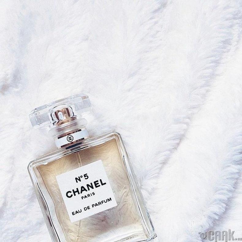 """Алдарт """"Chanel №5"""" үнэртэй усыг 1921 онд бүтээсэн"""