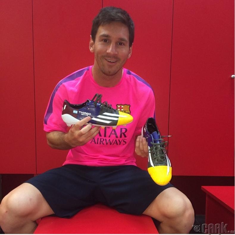 Лионел Месси (Lionel Messi) - 500,000 ам.доллар
