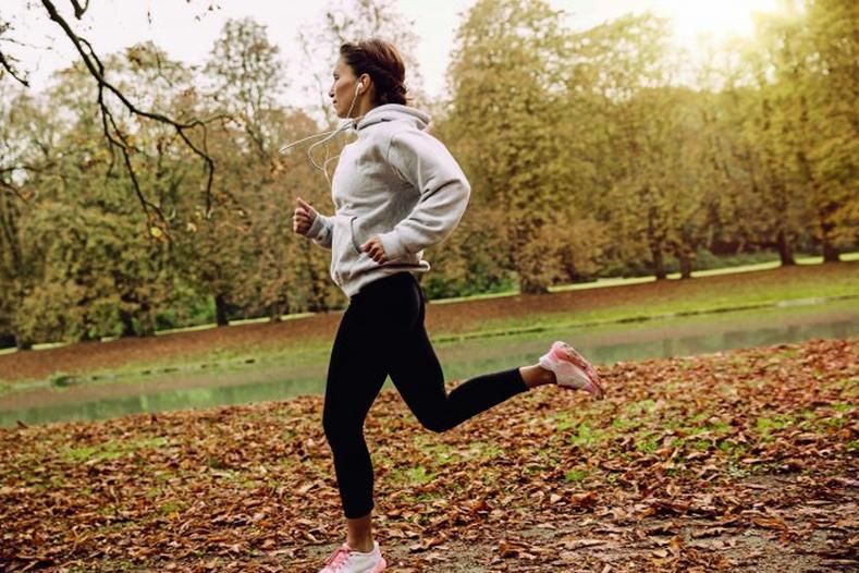 """""""Гүйхдээ бэлтгэлийн хувцас өмсөх нь биед эвтэйхэн байдагт бус өөрийгөө хэн нэгнээс зугтаагүй гэдгийг бусдад ойлгуулах зориулалттай байвал яах вэ?"""""""