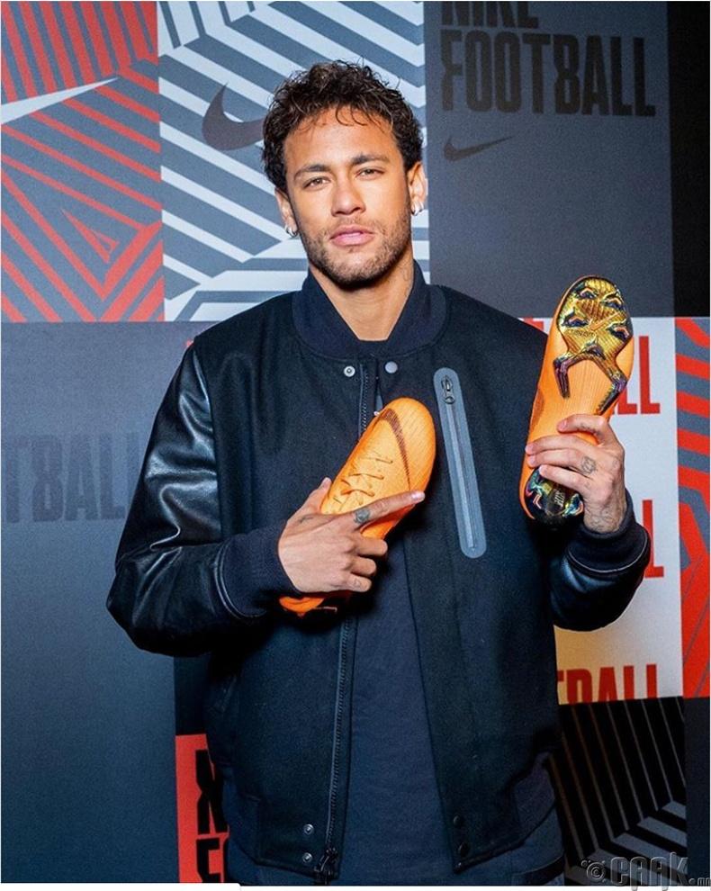 Неймар (Neymar) - 600,000 ам.доллар