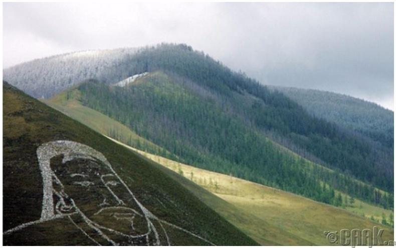 Харагдах орчин: Урд зүгрүү Богдхан уул, ургах нарыг тольдон харах болно!