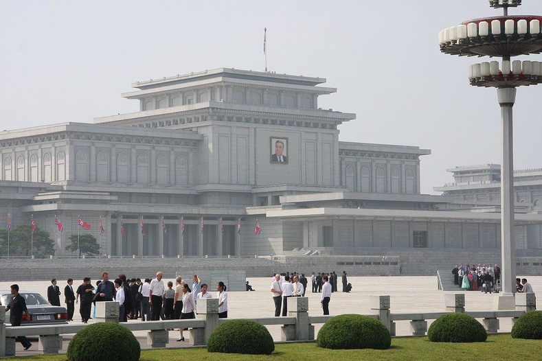 Ким Ир Сен, Ким Чен Ир / Хойд Солонгос