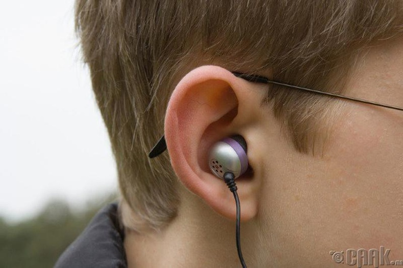 Өсвөр насныхны сонсголд муугаар нөлөөлдөг