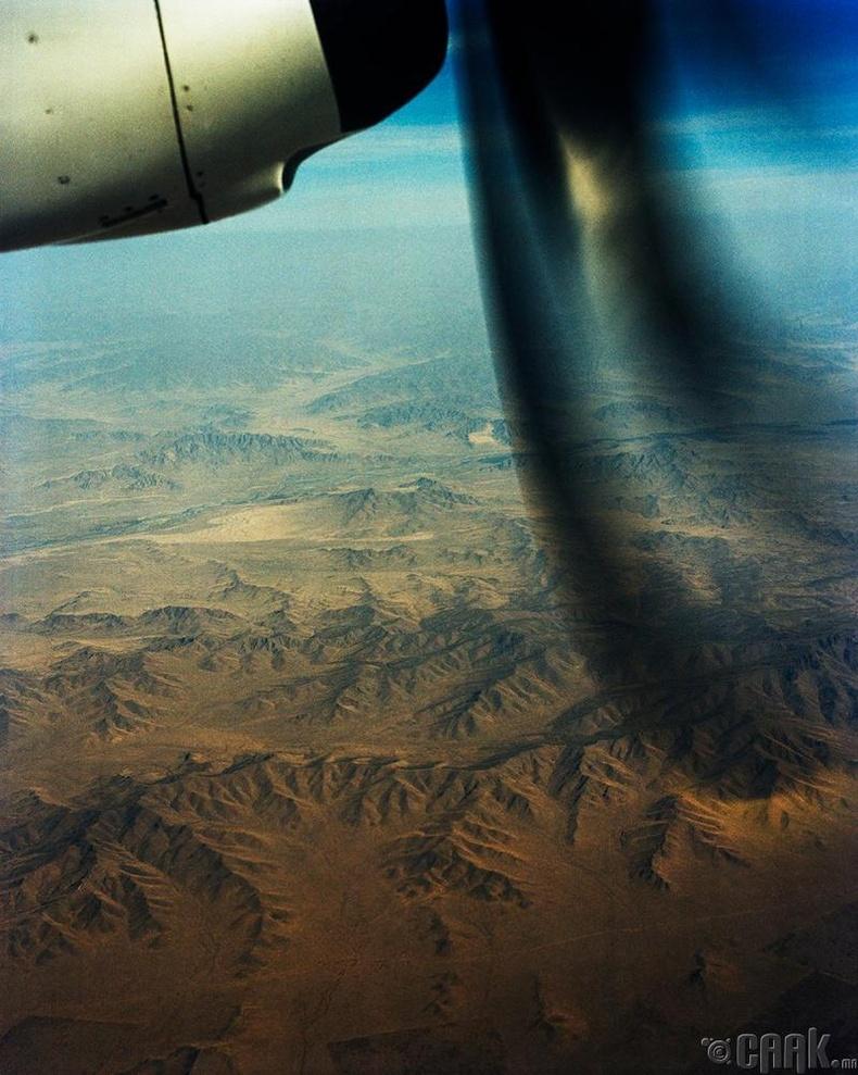 Лагранж 2001 оны зун Монголд анх удаа иржээ