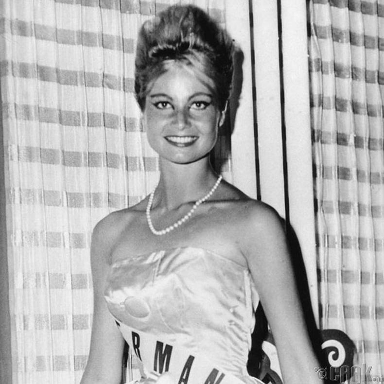 """""""Miss Universe-1961""""-ын ялагч: Германы гоо бүсгүй Марлен Шмидт, 24 настай, 173 см өндөр."""