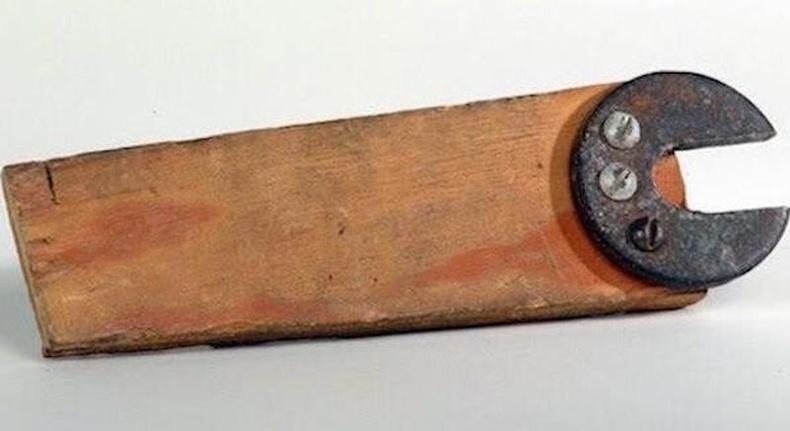 Мод, шуруп, төмөр ашиглан угсарсан түлхүүр