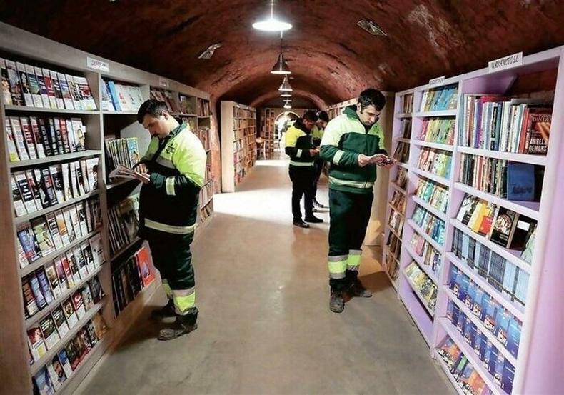 Турк улсад хүмүүсийн хаясан номоор номын сан байгуулжээ
