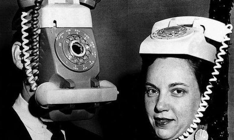 Хүмүүс 20-р зууны эхэнд гар утсыг ингэж төсөөлдөг байжээ