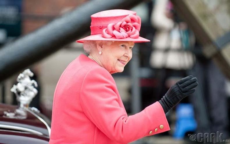 Хатан хаан тийм ч хүчирхэг хүн биш