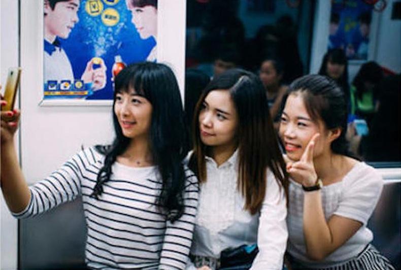 Хятад оюутнууд ингэж өөрчлөгддөг