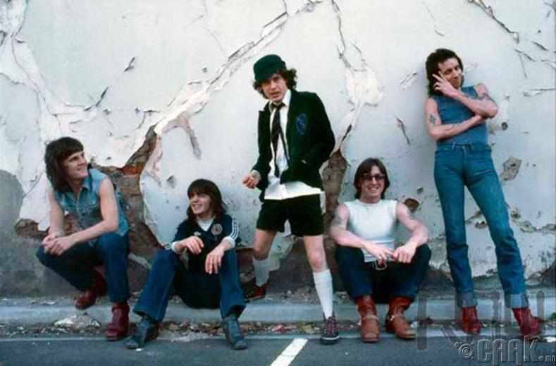 AC/DC, 1987 он