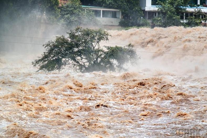 Үер, усны аюул тулгарсан үеэд юу хийх ёстой вэ?