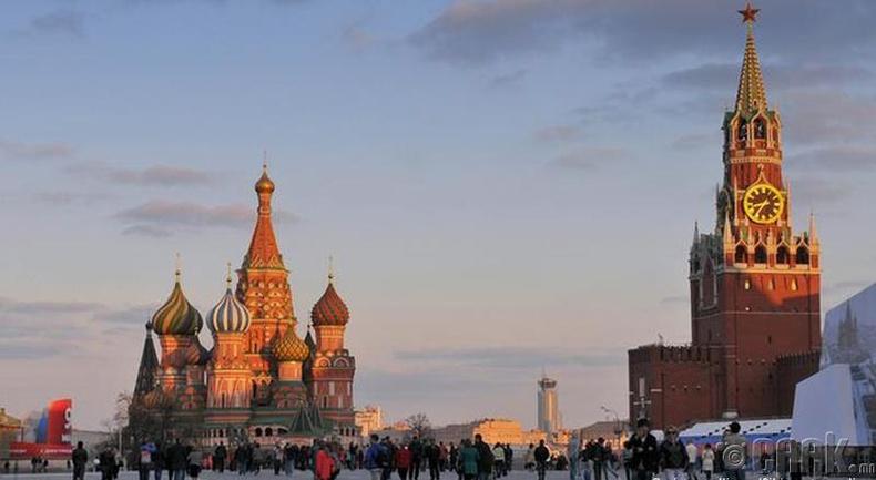Долоодугаар сар: Москва (Moscow)