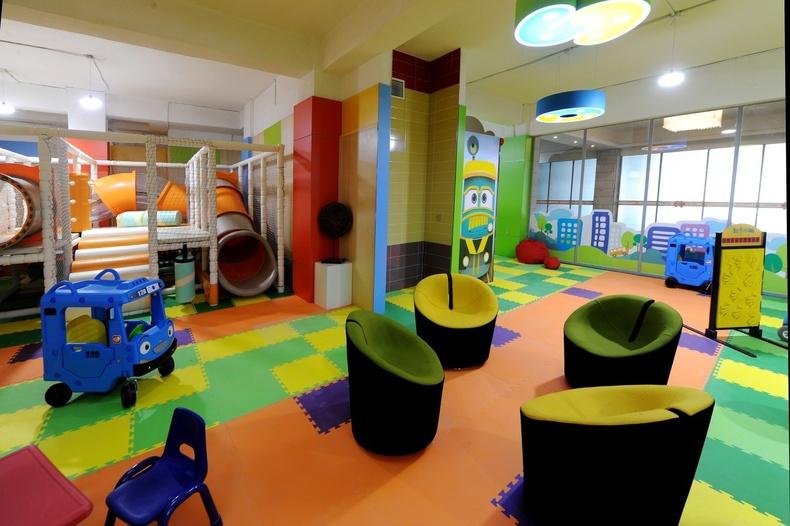 Бяцхан үрсийнхээ баярт өдрийг тэмдэглэх боломжтой хүүхдийн тоглоомын төв, vip кино театр