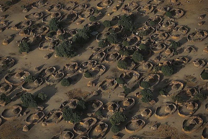 Чад мөрний ойролцоох тосгон - Чад